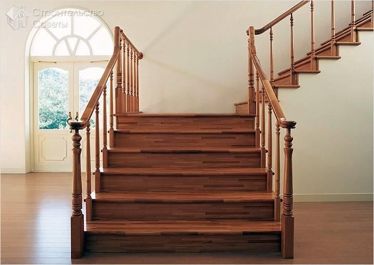 Деревянная лестница в доме