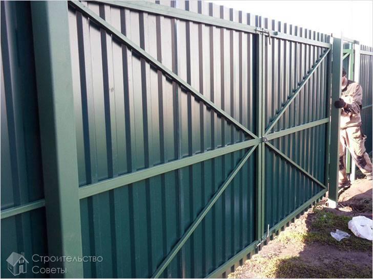 Как сделать ворота из профнастила