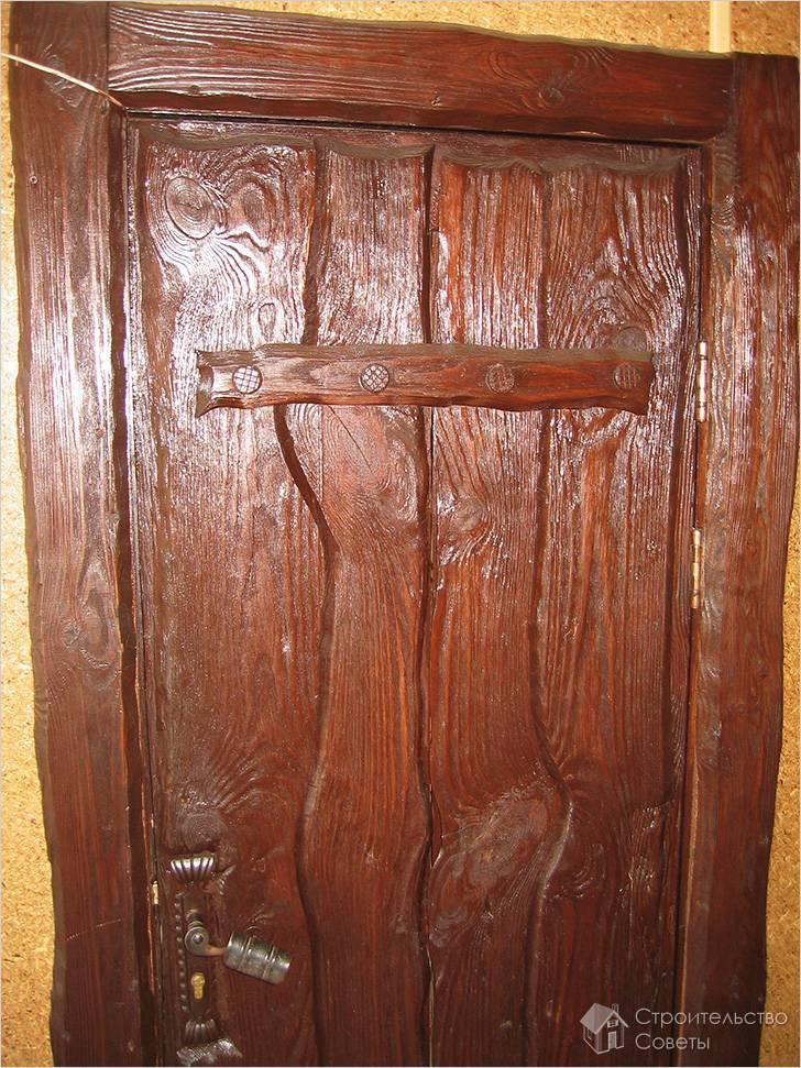 Дверь под старину своими руками