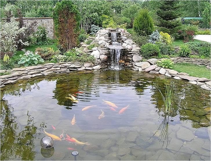 Декоративный водоем с рыбками
