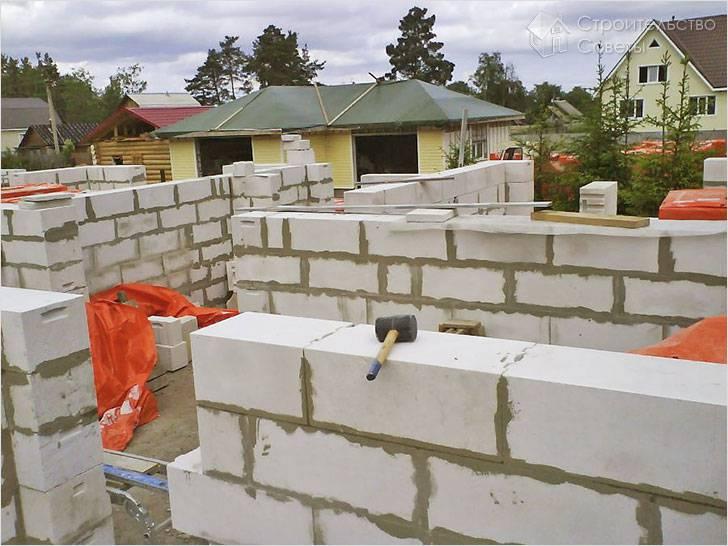Из каких блоков построить дом
