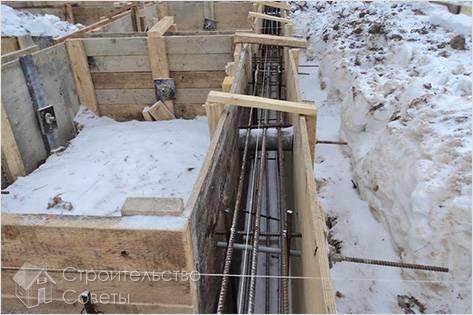 Можно ли заливать фундамент зимой