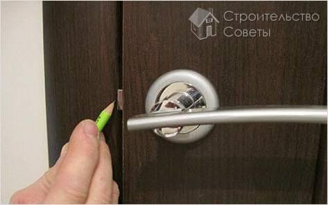 Что делать, если перекосило дверь
