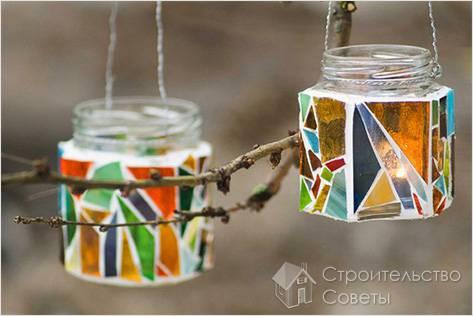 Садовые фонарики из стеклянных банок