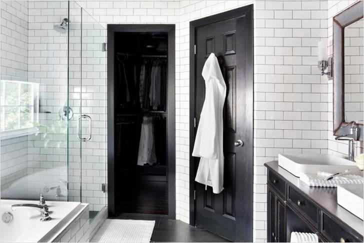 Двери в ванную комнату играют особую роль в интерьере